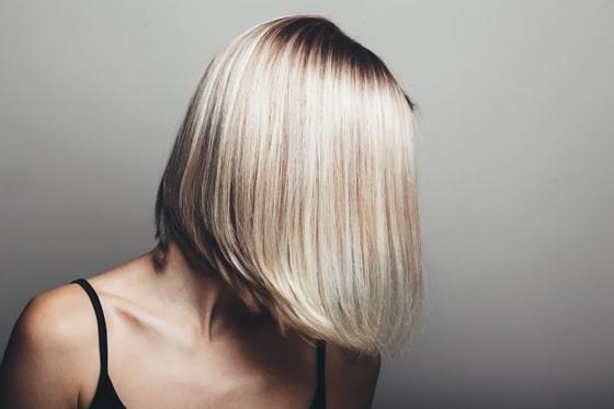 peinado liso para novias con pelo corto